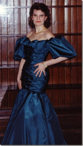 grad gown