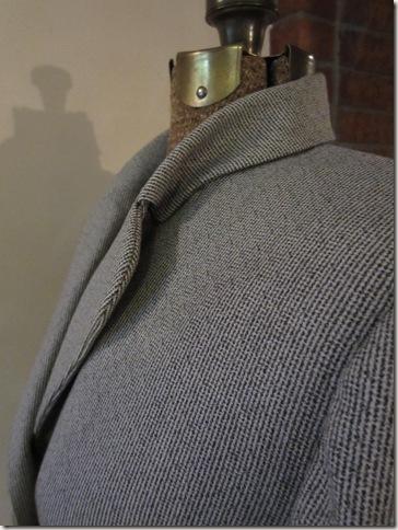 B 7579 collar