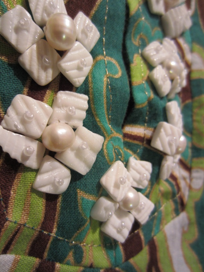 shell neckline