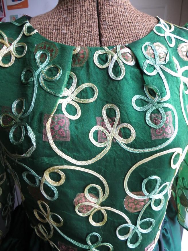 Burda 2-2013-148 neckline