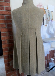 back pleats (583x800)