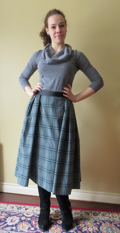 Burda 10-2010-117 skirt (2)